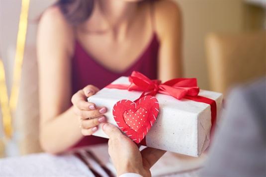 Valentīndiena, 2021: Dāvanu idejas viņam un viņai +10 romantiskas idejas kā atzīmēt mīlestības dienu!