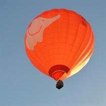Sagaidi saullēktu gaisa balonā