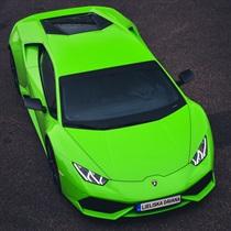 Поездка на Lamborghini Huracan по улицам Риги